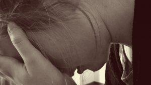 Meisje wat gepest wordt, Moeilijk gedrag. verdrietig