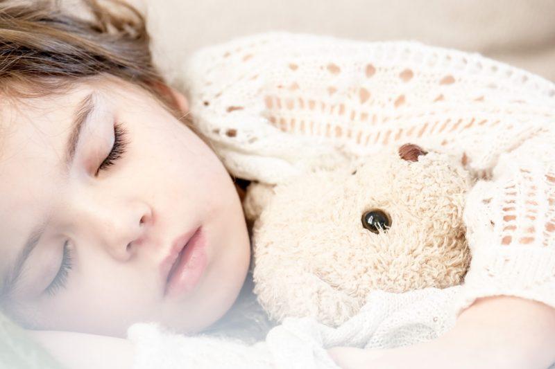 slaapend meisje