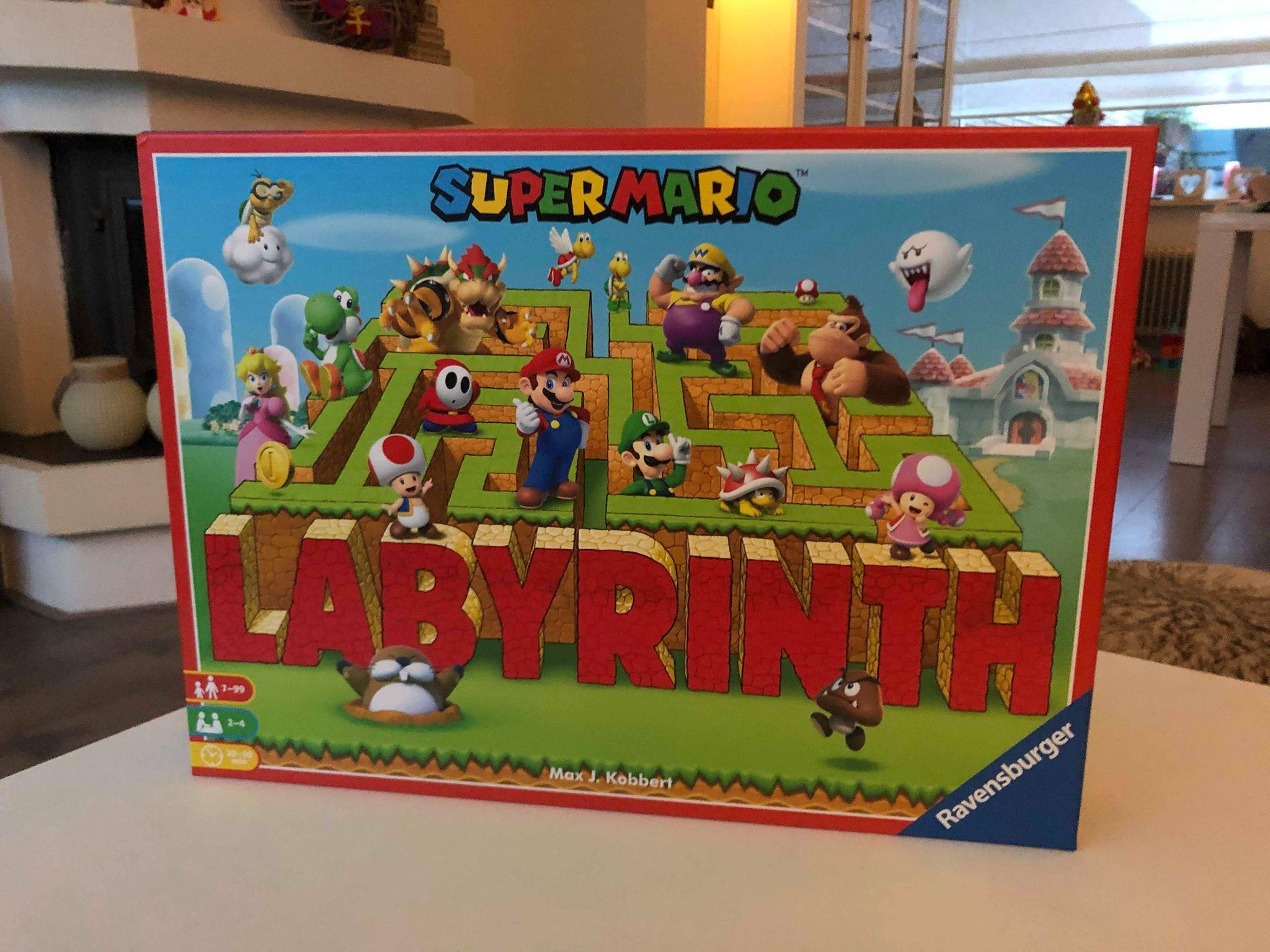 Spel Super Mario Labyrinth doos op tafel.